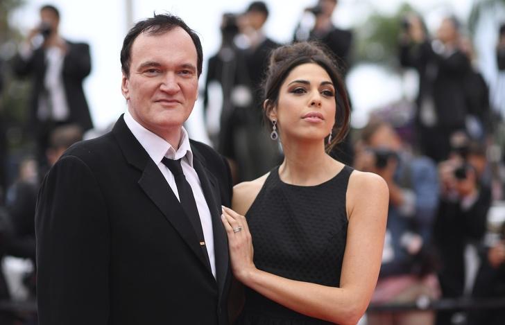 Как изглеждат съпругите на известни актьори, покорили милиони женски сърца