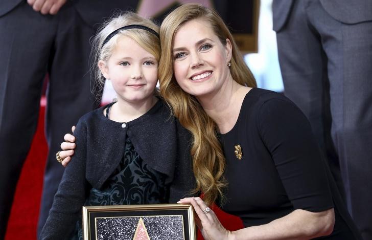Вижте как изглеждат децата на най-красивите жени на нашето време. И все пак не е напразно, че говорят за ябълка и ябълково дърво